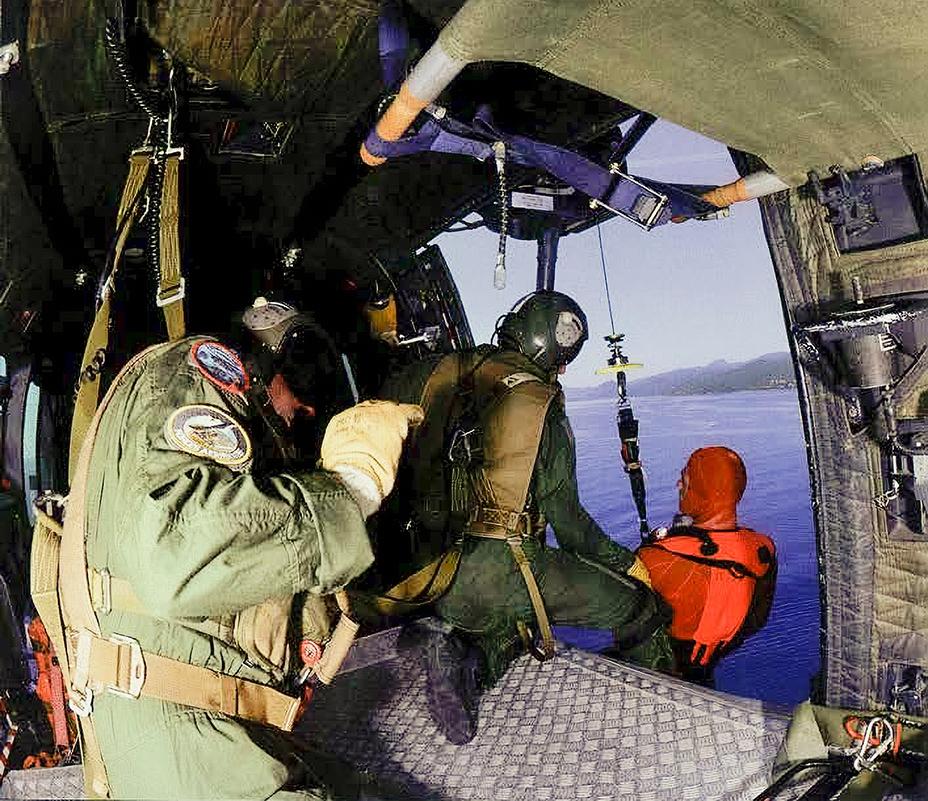 Mission-avec-les-sauveteurs-plongeurs-de-larmée-de-lairWEB_Page_3_Image_0001-Avec-accentuation